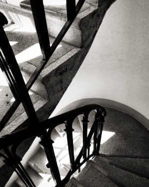 #stairs #escaliers #staircase #staircases #stairway #spiralstairs #spiralstaircase #escaleras #steps #escales #noiretblanc #blackandwhite#bnw #bn ...