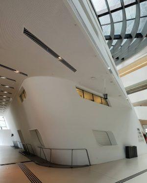 VIENNA/ Zaha Hadid Library __________________ #vienna_city #viennanow #zahahadid #zahahadidlibrary #zahahadiscrchitects #wuvienna #igersvienna #myvienna #myview #wienliebe #modernart #modernarchitecture...