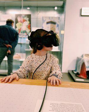 VR @ MAK Vienna ✨ . #afternoon #withmygirl #virtualreality #vr #mak #vienna #museumofappliedarts ...