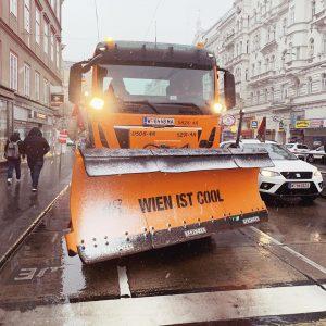 Endlich Schnee! Freust du dich auch darüber? #igerswien #igersvienna #wien #vienna #ersterschnee #wienstagram #jännerinwien #wienice #schneeflocken #winterinwien