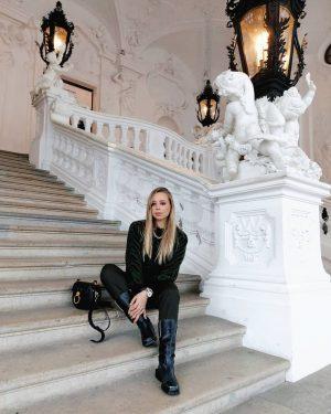Дворец Belvedere очень красивый снаружи. Красивый парк на территории ⭐ внутри музеи. Мы были в верхнем Belvedere,...
