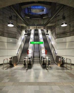 #escalator