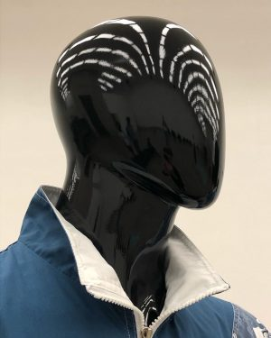 #new#hairstyle#light#lines#on#black#shiny#plastic#head#of#displaydummy#afrolook#details#and#sideeffects#of#willemderooij#installation#in#timeisthirsty#exhibition#kunsthallewien MQ – MuseumsQuartier Wien