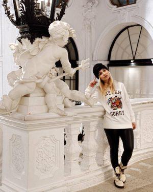 De eso que te vistes a juego con el museo 💁🏻♀️ . . . #vienna #viennagram #wien...