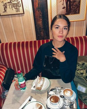 Венский кофе и штрудель ☕️ Знаменитое кафе «Гавелка» (Café Hawelka) на Доротеергассе, в ...