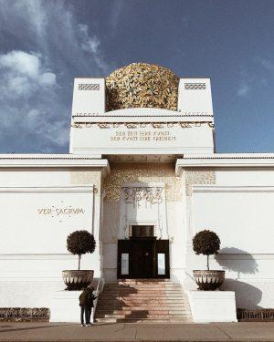 """""""der zeit ihre kunst. der kunst ihre freiheit"""" #secession #vienna #architecture #artnouveau #architecturephotography"""