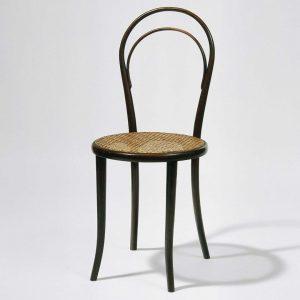 Er gehört zur Wiener Kaffeehauskultur wie Melange & Sachertorte: Der Thonet Stuhl Am Sonntag findet wieder unsere...