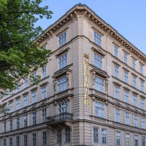 If what you're looking for is a conveniently located property in Vienna, look ...