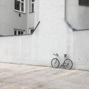 Found this very cool parking spot the other day. . . . #bikeshit #wienstagram #wieden #hood #bici...