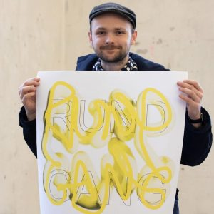 Von diesem Mann stammt übrigens das Plakat zum #Rundgang2020 @akbild. Er (der #Künstler) ...
