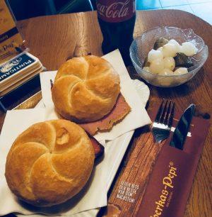 Mahlzeit! ❤️ Wir gönnen uns heute diese Schmankerl! 😉 Mit unserem Gutschein von Leberkas-Pepi bekommt ihr jetzt...