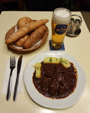 Best goulash in town 😋 Anzengruber-Cafe