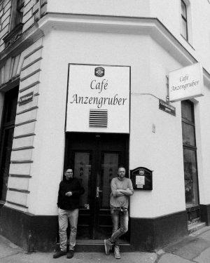 #robertfreund #dagraph #cafeanzengruber #memoatic #basemindstories #vienna #mood #echt #schnitzel #wien #auszeit #urleiwand #kartoffelsalat Anzengruber-Cafe