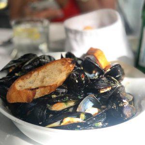 Höchste Qualität, simpel zubereitet! #cozze #seafood #fish #catchoftheday #eat #healthyfood Restaurant Kornat