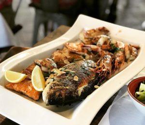 생선 요리할 줄 모르는 오스트리아 식당들 중에 그나마 맛있는 해산물집.. 부족한 오메가쓰리는 곧 한국에서.. ㅋㅋㅋ #비엔나 #해산물...