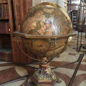 Today I was in globemaker heaven, as I finally visited the Austrian National Library and their amazing...