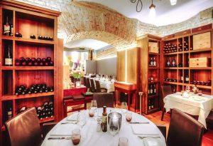#restaurant #kornat #fischrestaurant #seafood #meeresfrüchte #fish #wine #winecellar #weinbar #enjoy #cheers #winelover #wineanddine #foodlover #wien #vienna