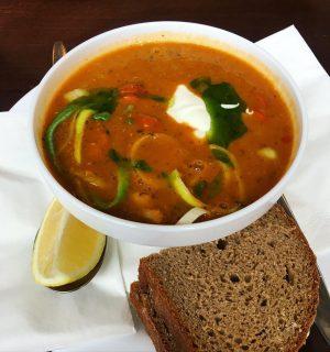 Linsen Suppe mit Paprikawurst 🌭 Corbaci