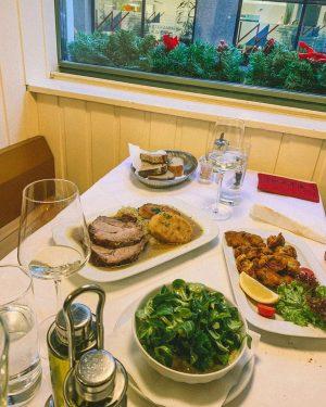Großartige Wiener Küche, gemütliche Atmosphäre und eine perfekte Location im 1. Bezirk! Alles passt im Gasthaus Pöschl...