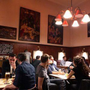 Ah, i caffè di Vienna (in cui io bevo birra, ma questa è un'altra storia) #wien #vienna...