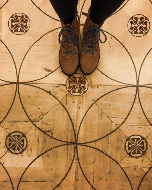 A paginação desse piso dispensa legenda! ❤️ #wien #vienna Globenmuseum der Österreichischen Nationalbibliothek