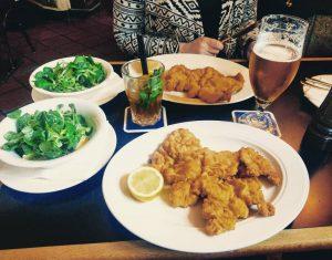 Kein Wien-Aufenthalt ohne Schnitzel.❤ #Wien #Schnitzel #Vienna #travel #Foodporn Amacord Cafe