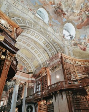 📍Vienna #wien #vienna #nationalbibliothek #prunksaal #prunksaalderösterreichischennationalbibliothek #travel #books Österreichische Nationalbibliothek