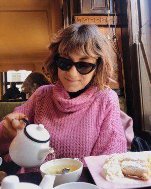 Strudel di mele, peppermint tea, tipico bar viennese e piatti rosa 💖 • • • • •...