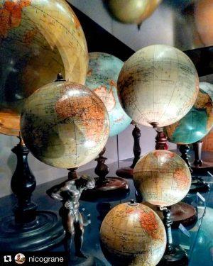 Im Globenmuseum – und in allen anderen Museen der Österreichischen Nationalbibliothek – liegt Ihnen ausnahmsweise auch an...