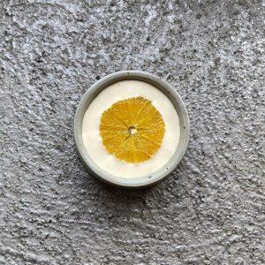 Back in Brigittenau from today on Navelina orange 🍊 from sicily with caramelized sour cream Mraz und...