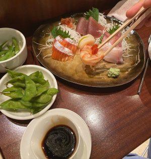 Сегодня для обеда мы искали азиатский ресторан. По отзывам этот оказался лучшим. SHIKI удостоился Мишленовской звёзды ⭐️...