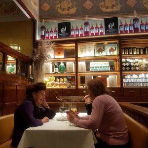 Herrliche Atmosphäre in dieser Wiener Institution! Zum schwarzen Kameel.🐪 . #aixciting #exciting #österreich #austria #wien #vienna #bar...