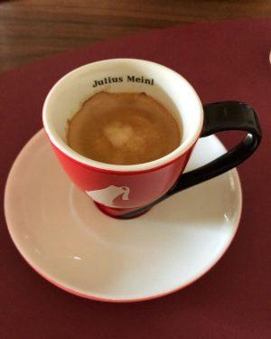 Espresso O'clock, sadly not with @asiacarugo • • • #coffee #artist #style #arte #arty #artofinstagram #artstagram #juliusmeinl...