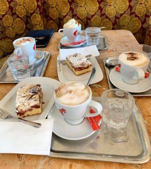 ☕️🥧 📸: Ronald Lombino #cafetirolerhof #tirolerhof #wien #vienna #österreich #austria #photooftheday #postoftheday #picoftheday #pictureoftheday #coffee #kaffee #coffeelove...