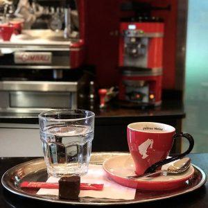 Ein guter Kaffee am Morgen vertreibt Kummer und Sorgen. Und den gibt es natürlich in unserer wundervollen...