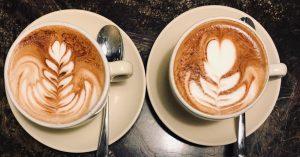 Ein Kaffee mit Herz und ich meine nicht das Muster. 😁 #danielmoser #latteart ...