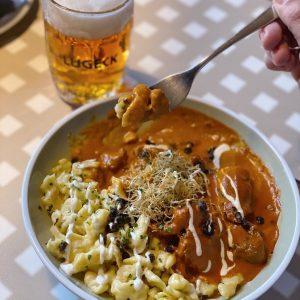 Mahlzeit! 🍴 Wie wäre es heute mit einem Kaisergulasch aus Kalbsfleisch mit Zitrone, Ingwer und Kapern serviert...