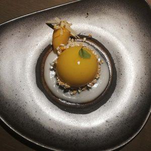 🍩🍬 #dessert 🍰🍧 #nachspeisen #nachspeisentraum #süßes #schokolade #mango #pralinen #gaumenfreuden #schokolademachtglücklich 💖 #finedining #tian #vegetarisch #vegetarian #restaurant...