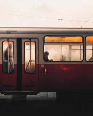 ...........................................#rawurbanshots #streetclassics #optimalmoments #vienna_austria #viennagoforit #visualgrams #streetphotography #streetmagazine #PhotoCinematica #streetsineurope #streetphotographer #realismag #n8zine #knowthismind #cineminer #cinesomnia #cinematicphotography...