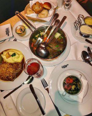 НЕВЕРОЯТНО ВКУСНОЕ венское блюдо Тафельшпиц 😍 ✅ Обязательно попробуйте его в @plachutta_restaurants ❤️🤤 ...