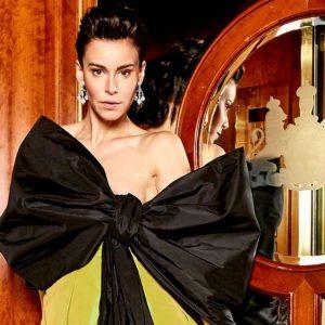 In love with that dress @niko_niko_design @juwelierheldwein @kirstenkunze @traxler_julia @jessylangmakeup @ Hotel Imperial, ...