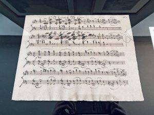Beethoven's Symphony no.7, facsimile of the sheet of the piano drafts with corrections ...