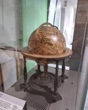 А тут вам немного шарообразной милоты. Красивые, старинные глобусы) TMW - Technisches Museum ...