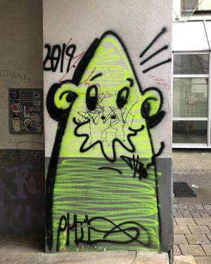 Character by @wienerfarben - urban messages * Vienna / Austria * #famiglia_vienna #famigliavienna * #vienna #austria #graffiti...