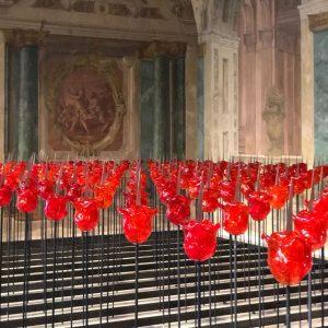 С некоторого времени Верхний Бельведер использует зал Карлоне для показа современного искусства. Получается ...