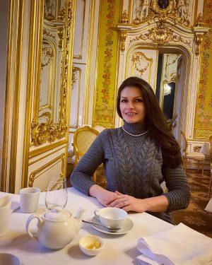 🥂💃🏻🍰#Wien #vienna #sonntag #happysunday #afternootea # champagne #danke #familie #surprise #wow Palais Coburg Residenz *****