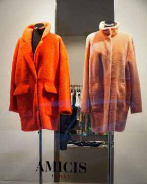 AMICIS outlet: these beauties are on sale %%% #amicisoutlet #winterfashion #designerclothes #designeroutletvienna #viennashopping #luxuryshopping #luxurylifestyle #everydaysale #outletfinds