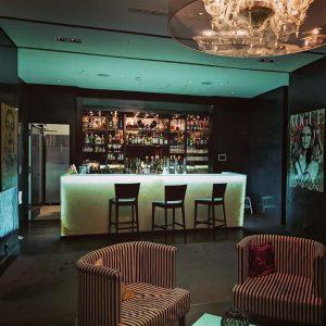 Sublime bar for evening cocktails at the swish @kempinskivienna #kempinski #kempinskihotel #luxuryhotel #luxuryhotels #vienna #austria #travel #luxurytravel...
