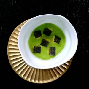 Steamed Belon oyster. Lovage. Nori algae. Cornichons. @michelinguide @gaultmillau_austria @michelininspectors @50bestdiscovery #newmenue #teamkonstantinfilippou ...