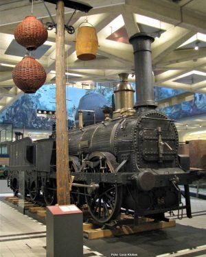 Ai primordi della ferrovia i sistemi di segnalamento differivano dagli attuali. Il #telegrafo ...